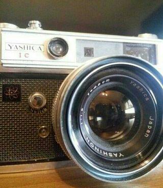 camara.YASHICA LYNX 5000. 1980