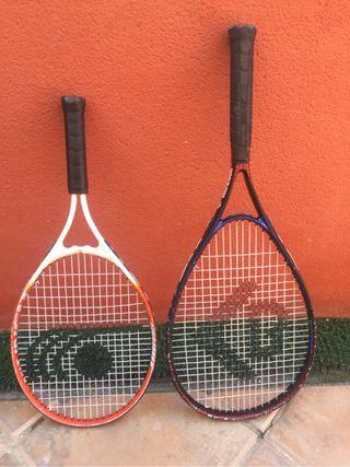 Dos raquetas con funda