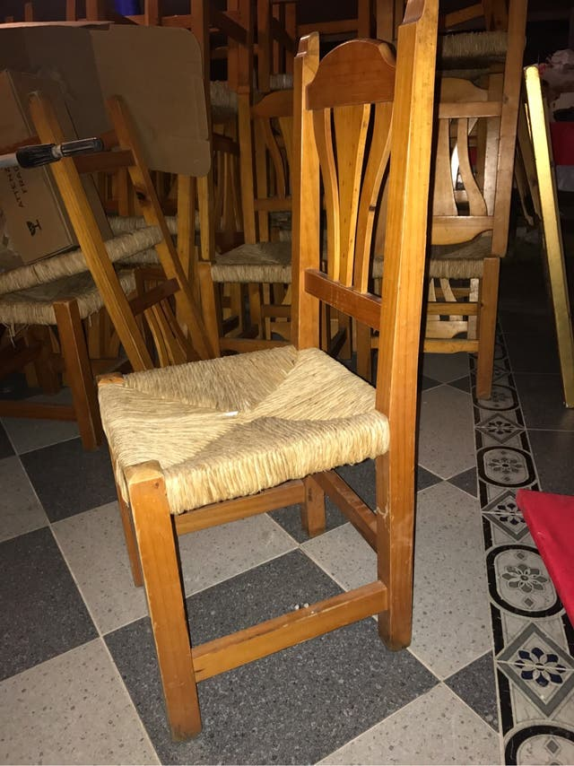 Silla de madera hosteleria