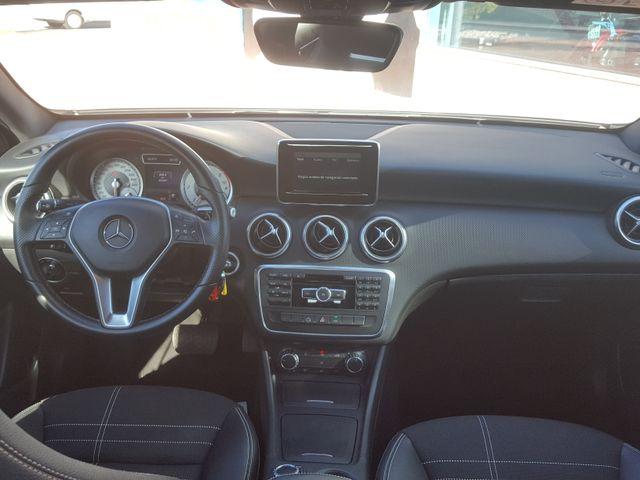 Mercedes-Benz Clase A180 7G-DCT como nuevo.