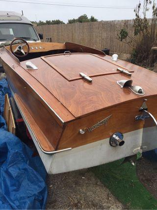 Embarcación clasico de caoba