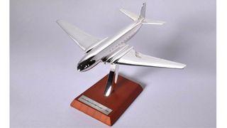 11. Precioso avión de colección Havilland Comet