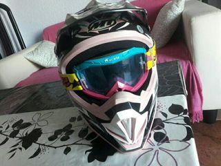 casco y gafas de croos