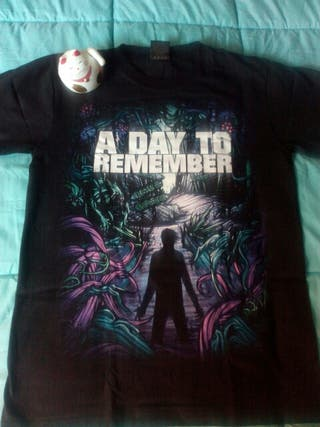 CAMISETA A DAY TO REMEMBER TALLA M