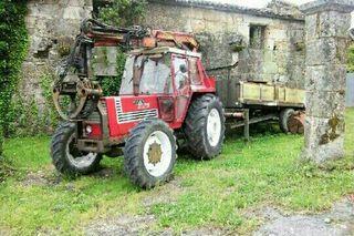 Tractor con grua