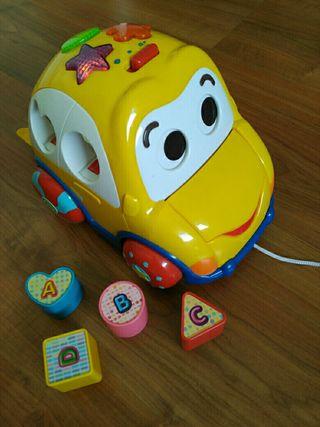 Coche arrastre musical juguete