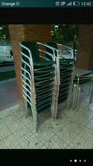 Mesas y sillas (Transporte incluido)