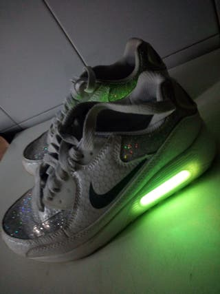 Zapatos con luces talla 33