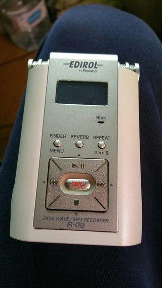 grabadora roland R-09