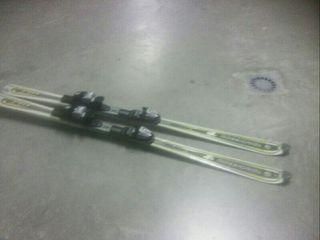 se vende skis 50€