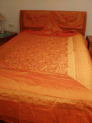 colcha seda. cama 150. India. A estrenar