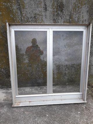 ventanas de aluminio color aluminio. Todas..negoci