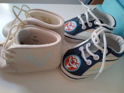 be1d4677aaf Zapatos bebé talla 18 de segunda mano por 4 € en Argolell en WALLAPOP