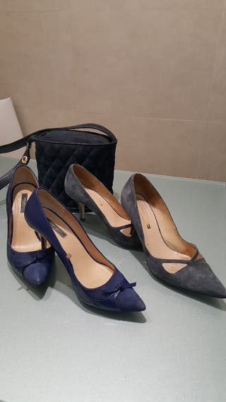 Bolso y zapatos tacón azules
