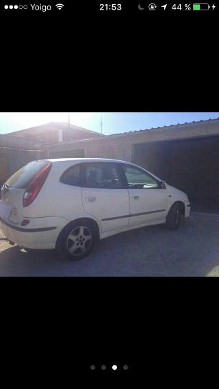 Nissan almera tino 2.2 2001