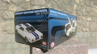 ACME Caja Coche Escala 1:18 Mustang Shelby