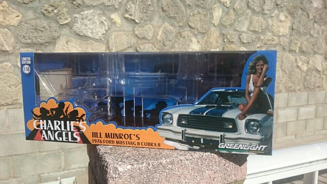 GREENLIGHT Caja Coche Escala 1:18 Mustang