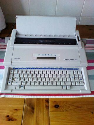 REBAJADO Maquina de escribir Olivetti