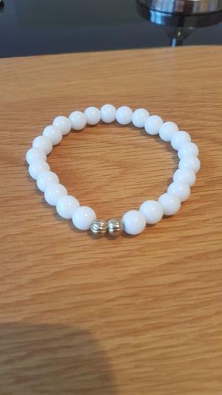 white pearlised bracelet