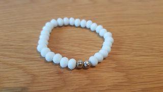 white faceted beaded bracelet