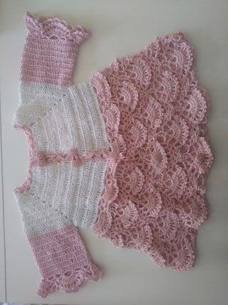 Abrigo para bebé hecho a mano