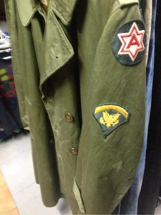 Tengo tus abrigos de ejército di año 1950