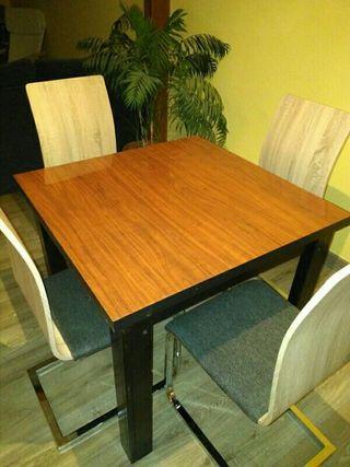 mesa. comedor. solo, sillas serian otras