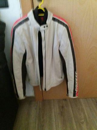 chaqueta moto daines chica