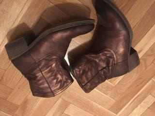 Botas marrón talla 38