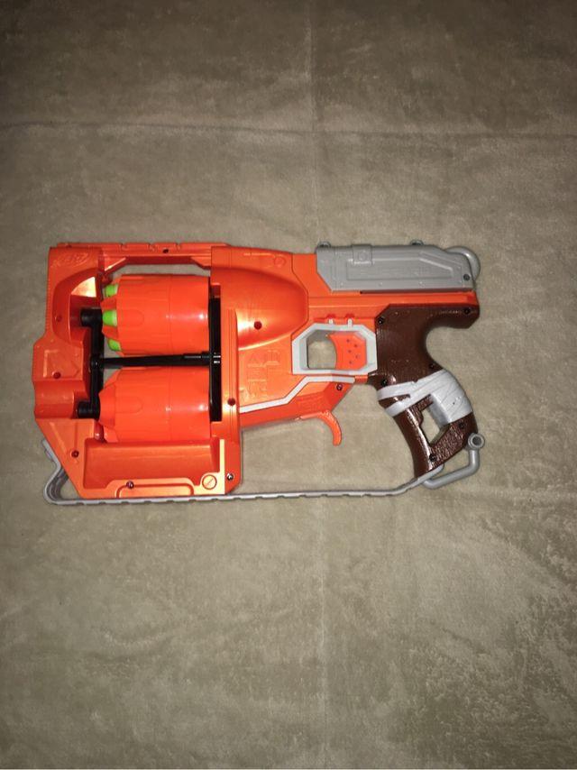 Pistola nerf zombies