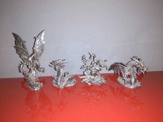 Figuras Dragones y Criaturas Fantásticas