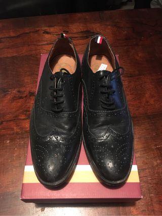 Zapatos El Ganso, valen 125