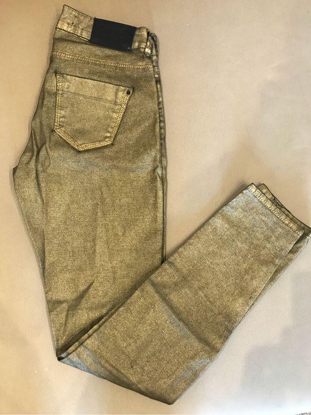 Pantalon Dorado De Zara De Segunda Mano Por 11 En Burgos En Wallapop