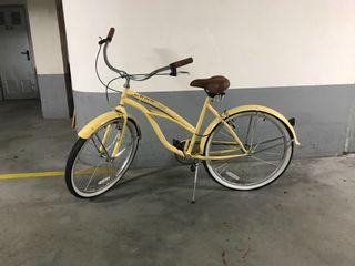 Bicicleta estilo retro,antigua