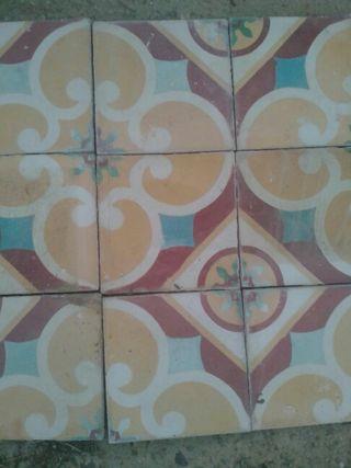 Azulejos hidráulicos 45€ el metro cuadrado