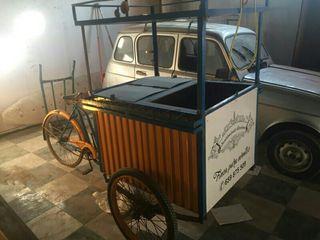 Triciclo de venta ambulante