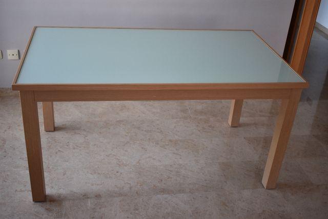 Mesa comedor madera y cristal de segunda mano por 200 en for Mesa comedor madera cristal