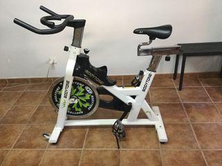 Bicicleta indoor (spinning)