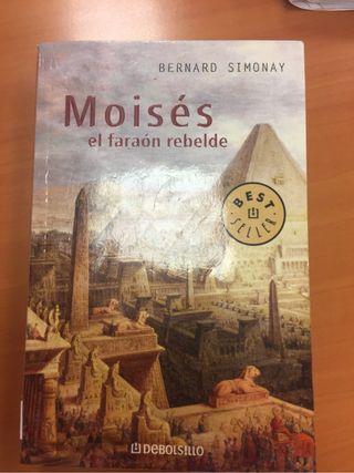 Libro Moises el faraon rebelde