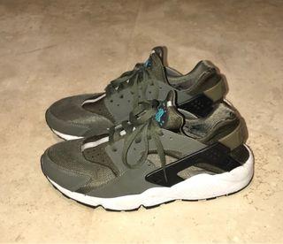 Nike Huarache Run Khaki