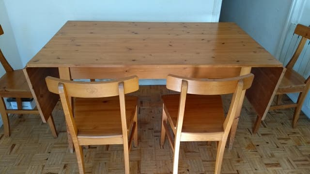 mesa comedor extensible de madera y 4 sillas