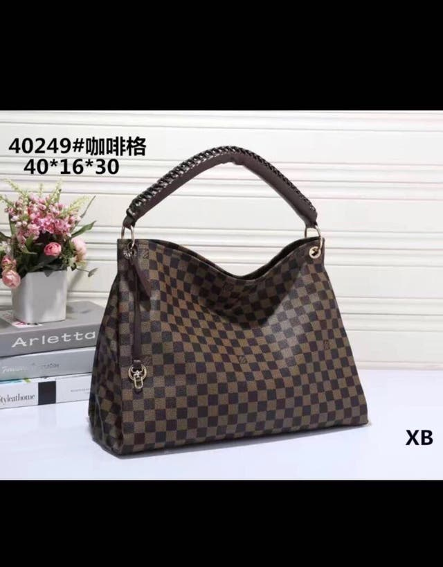 Louis vuttion neverfull bag