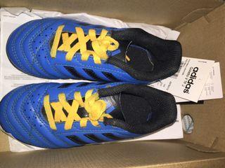 Football trainers Adidas C10