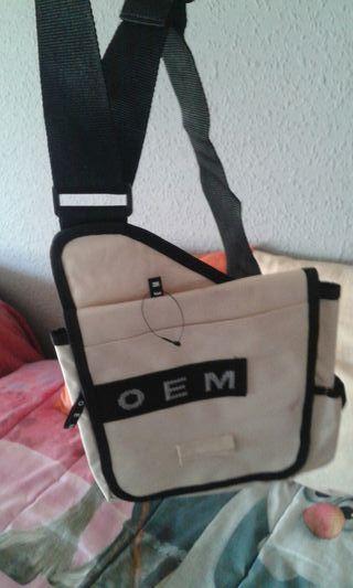 mochila para hombre nueva color beige y negro
