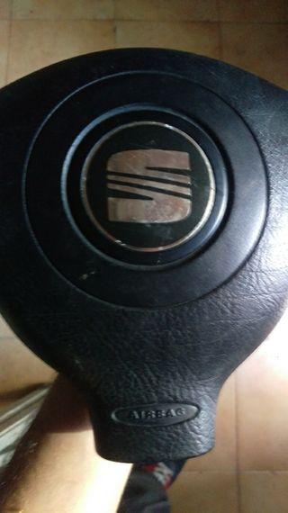 sarpicadero y airbags de seat leon 1