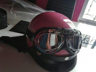 casco moto nuevo con gafas de moto