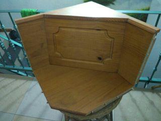 Mesa madera y bancos de cocina