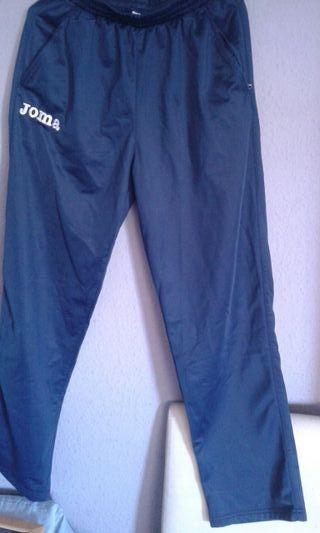 el pantalón para niño talla M está como nuevo marc