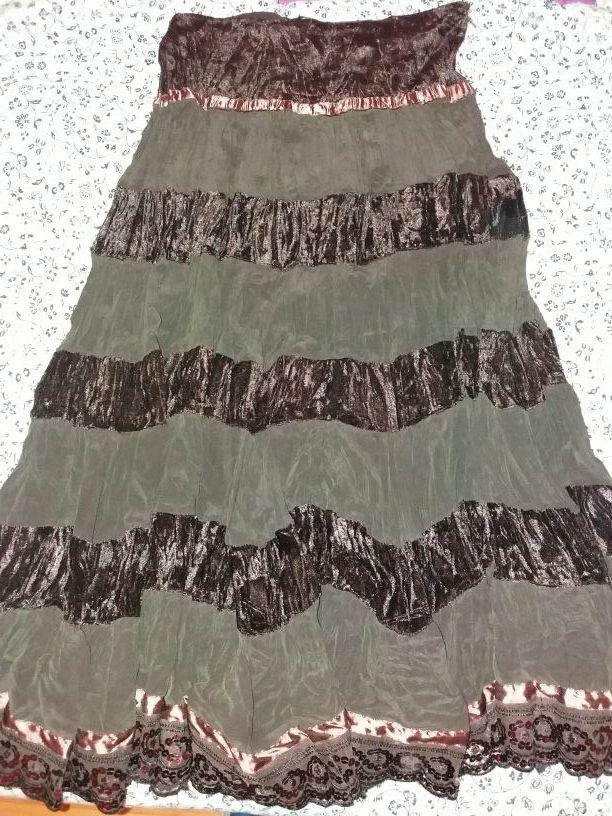 76a7ed968 Falda marrón de seda y terciopelo de segunda mano por 22 € en ...