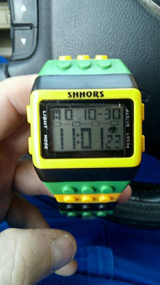reloj tipo lego jamaica